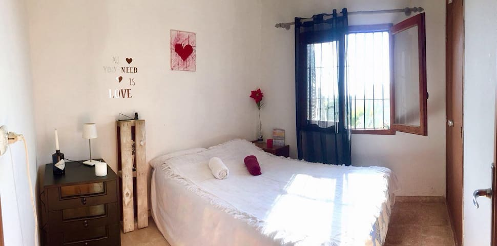 Lovely Room in perfect location in Ibiza