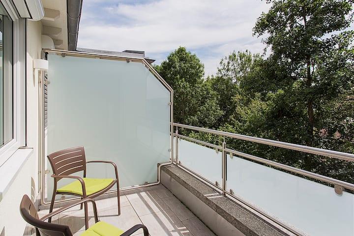 TAOme Feng Shui Stadthotel Breisgau, (Emmendingen), Komfort Apartment mit Loggia, 29qm, max. 3 Personen