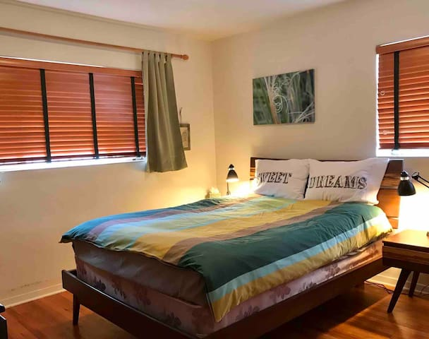 Room with Queen bed in private home