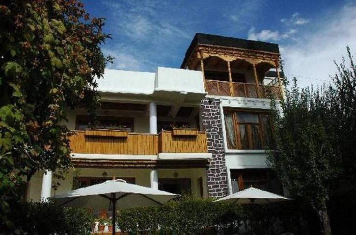 Hotel Pangong - Leh