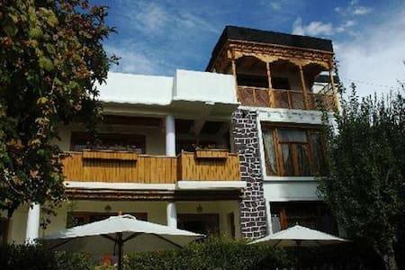 Hotel Pangong - Leh - Inny