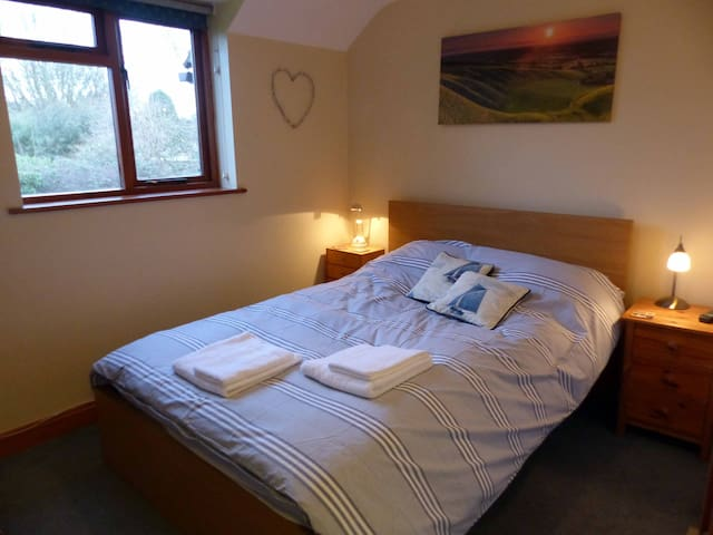 Uffington Double room nr White Horse Hill/Ridgeway - Uffington
