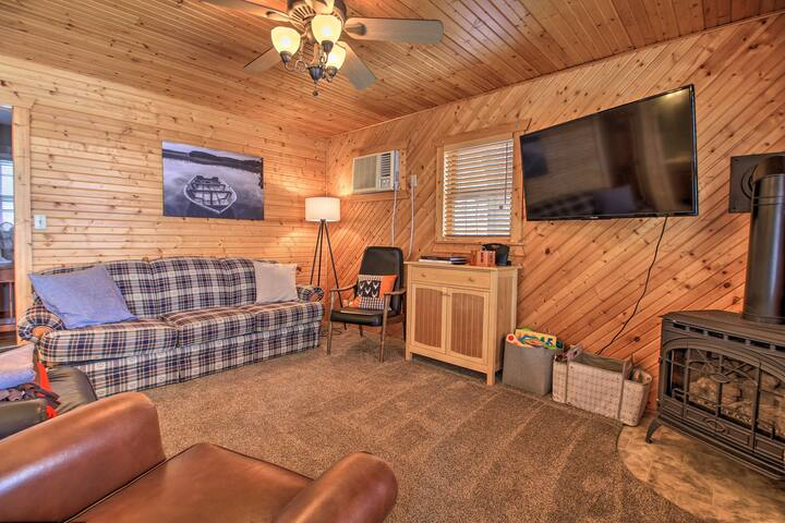 Log Cabin on Lake Minnewaska: Family, Pet Friendly