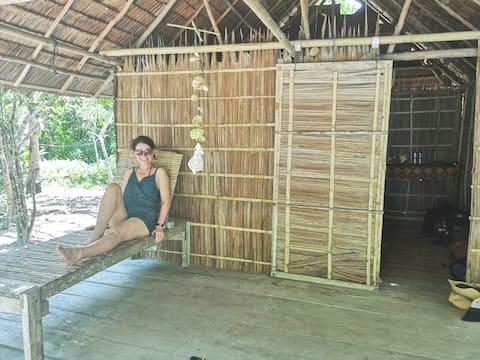 Island Paradise Beach Hut yenros