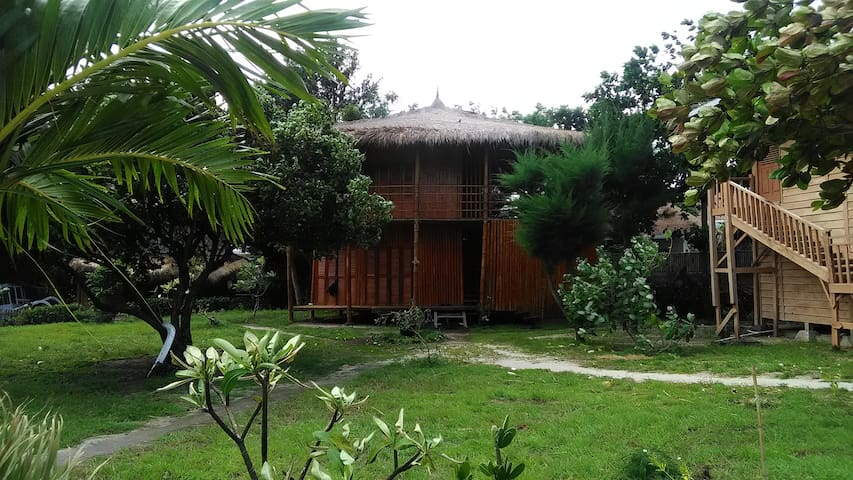 The Sunset Gecko Bungalow in Front of the Beach - North Lombok Regency - Chalet