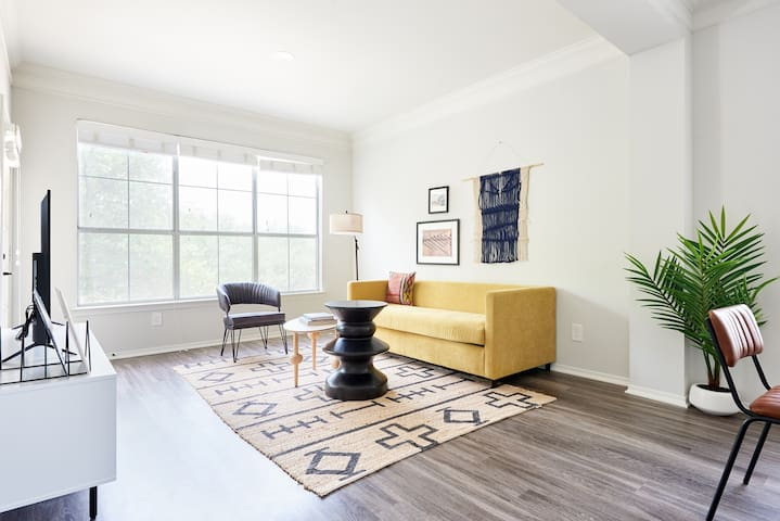Sonder | South Congress | Charming 1BR + Balcony