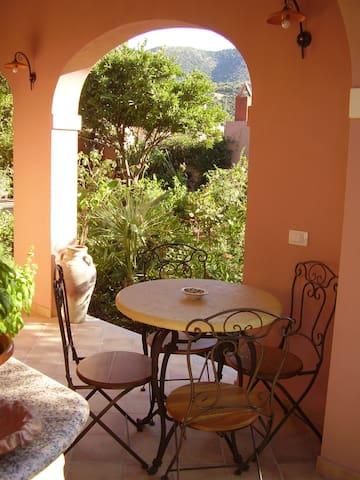 """Apartment """"i Gelsomini"""" - Teulada - Apartamento"""
