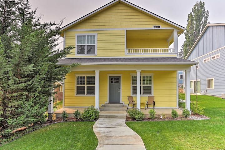 Modern Home 1 Mi to Lake Coeur d'Alene+Tubb's Hill