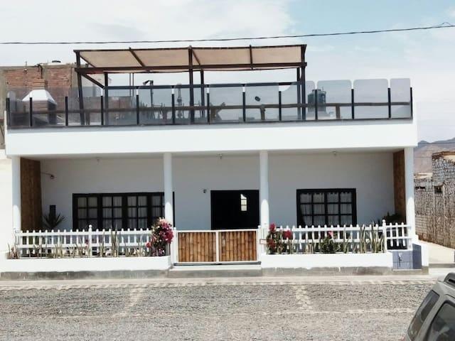 Casa en Playa Los Lobos, primera fila