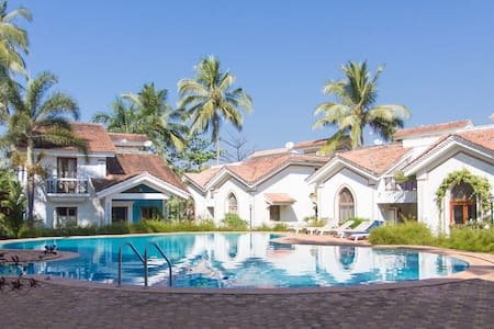 Stunning & spacious poolside villa near Baga beach - Arpora