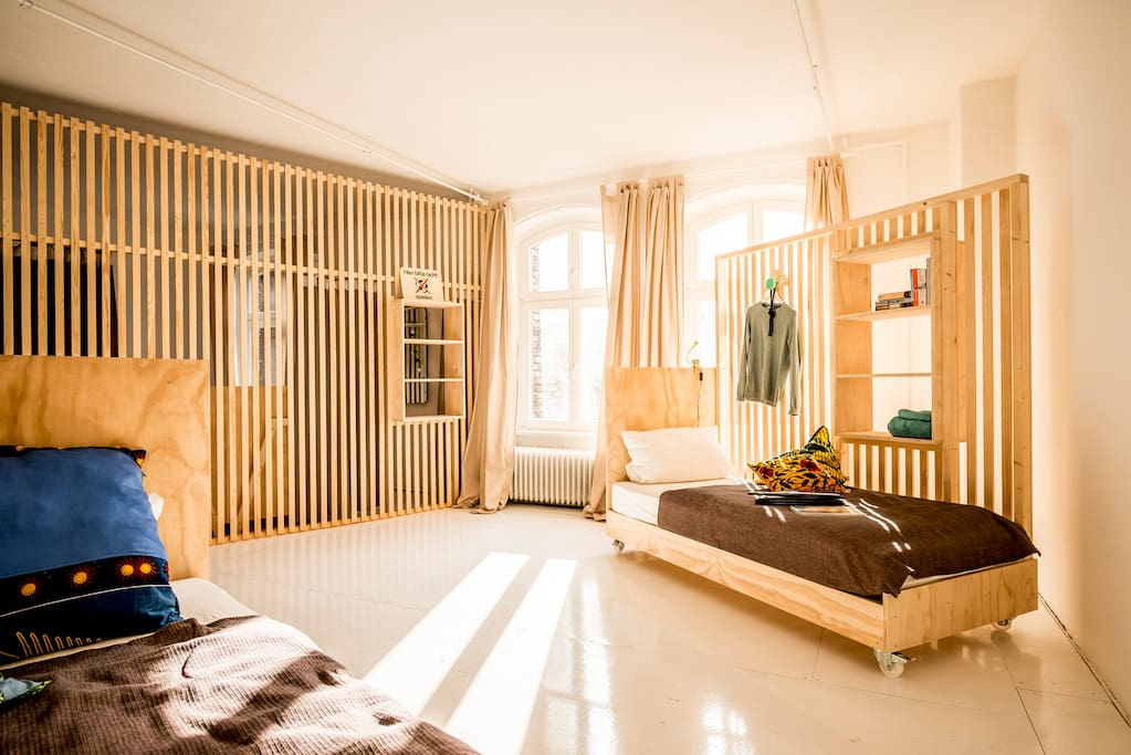 Modular and flexible sleeping room