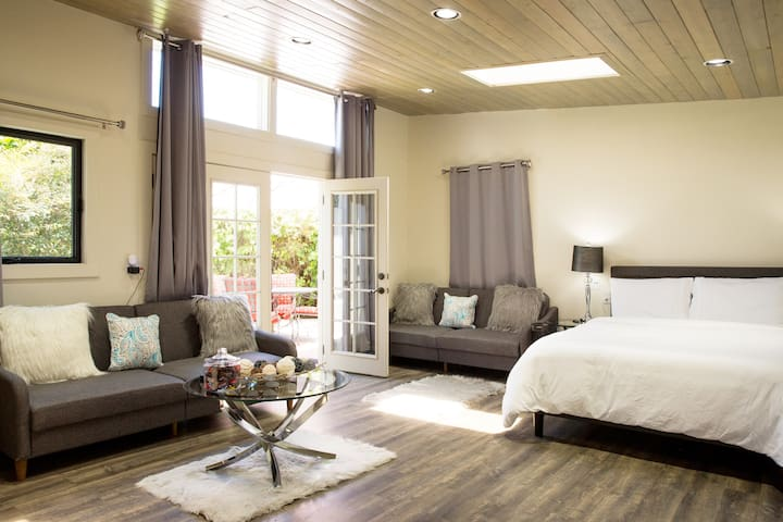 Sparkling Clean Luxury Suite Near SF/SFO+Parking