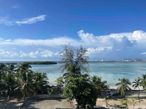 Incredible view! Amazing 2bed/1bath on the ocean.