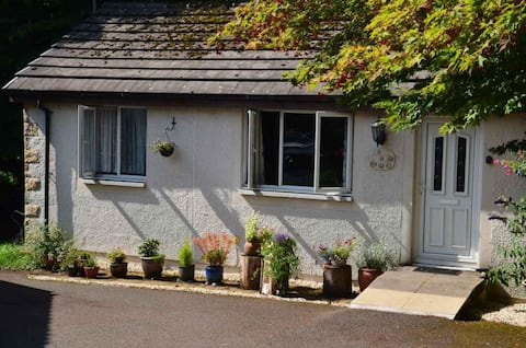 Entire cottage for a cosy retreat in the Trossachs