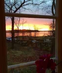 Villa by the sea. 20 min to Stockholm city. - Stocksund