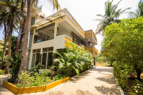 Shiv Sakthi Villa-First Floor Stay