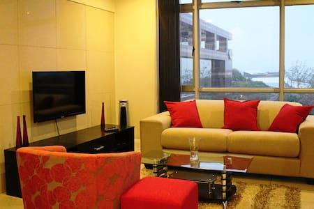 Stunning Sandton Apartment - Sandton - Lejlighed