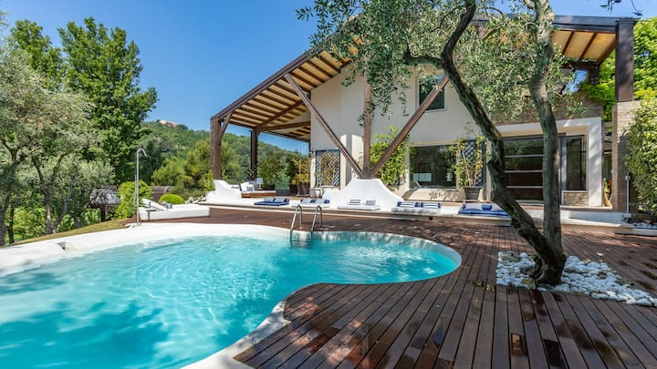 VILLA VALLUGOLA 8, Emma Villas Exclusive