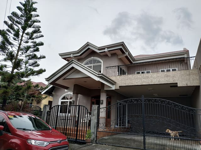 2 storey house in Cavite City