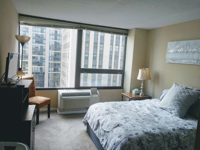 The Perfect Stay for Downtown Chicago Experience!