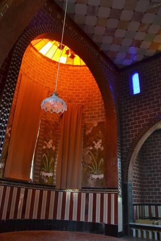La Chapelle de verre, la verrière, le Choeur, tout en verre