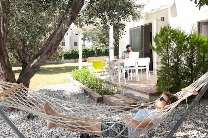 Arinnanda Otel'de (PHONE NUMBER HIDDEN) teraslı Rezidans - Çeşme - Bed & Breakfast