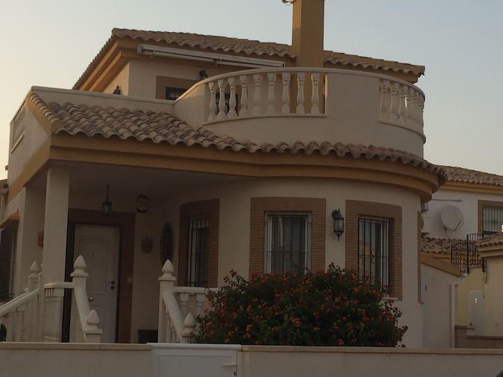 Luxury 3 Bed 2 Bath Villa With Private Pool-Sucina