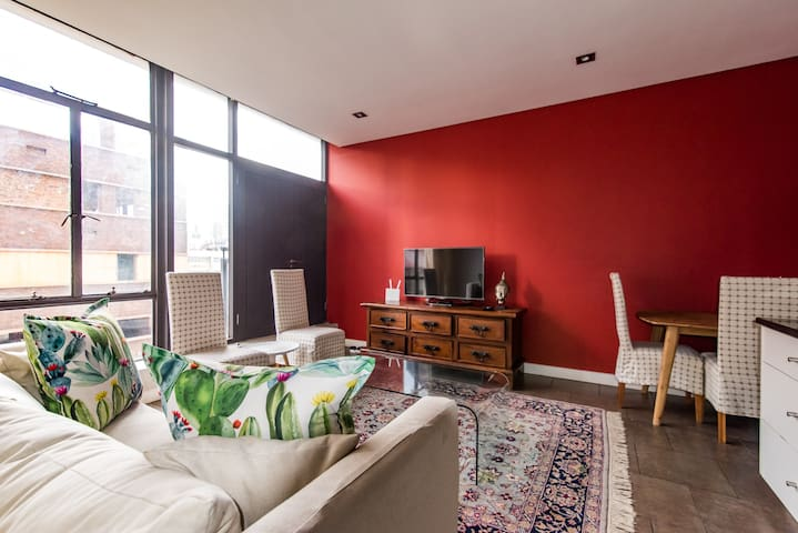 Chic & Comfortable 2-Bed Central Pad in Newtown