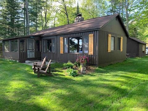 Lake front cottage on Lake Margrethe