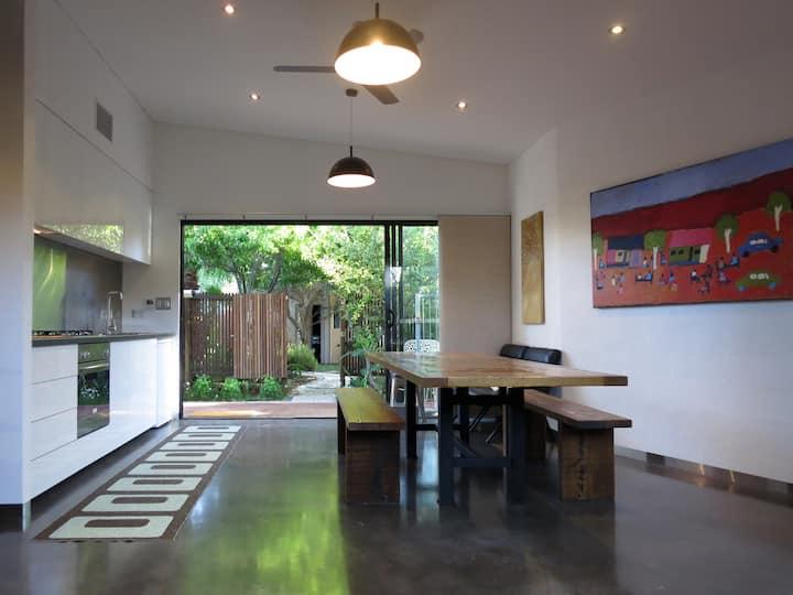 Studio Five Apartment