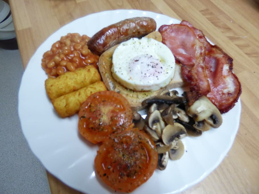 The delicious Traditional Full English Breakfast - this one is gluten free! Choose from 7 items on the Breakfast Menu - and enjoy!