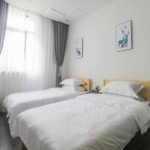 房间⑤家是防卫的小堡,1.2米床两张