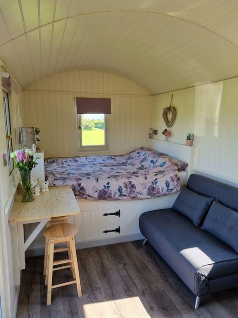 Luxury Shepherds Hut in Staffordshire countryside