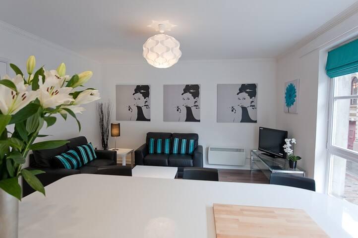 Lounge from breakfast bar