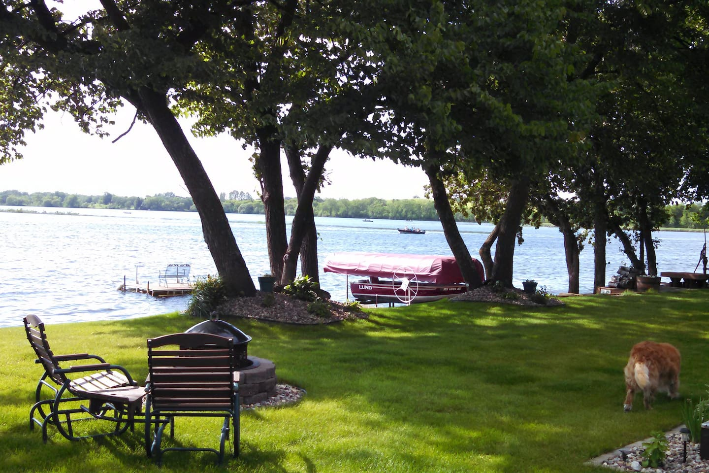 Beautiful shoreline, fantastic sunsets, nice swimming area and fire pit.