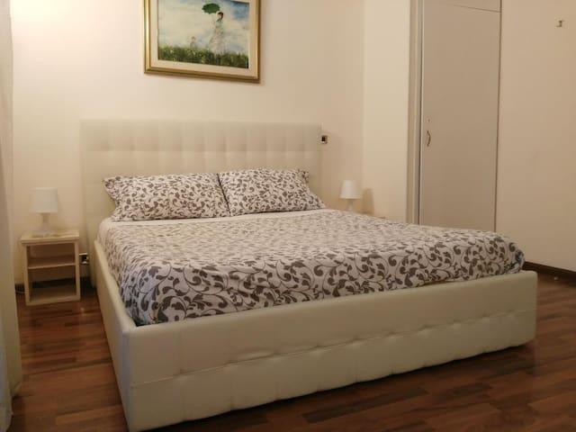 camera accogliente in centro citta' - Catania - Bed & Breakfast