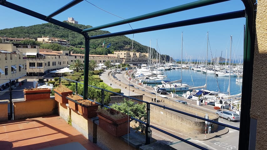 AMAZING 2BR 2BT- STUNNING SEAFRONT - GREAT TERRACE