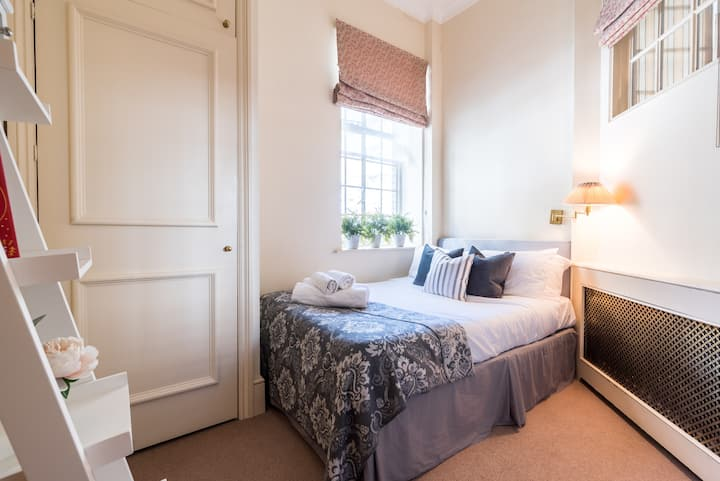 Beautiful 1bedroom flat in Kensington by Hyde park