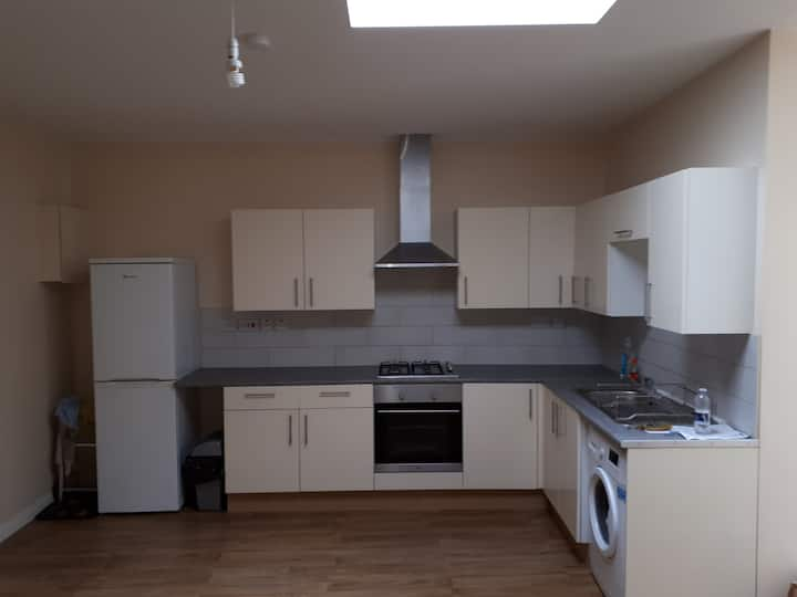 2 Bedroom Flat in South Ealing