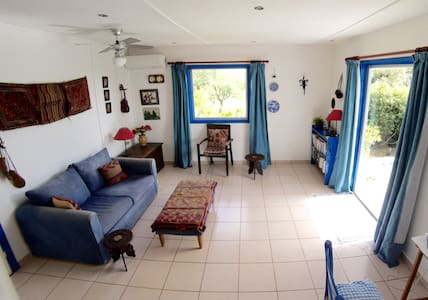 One bed, detached holiday home with private garden - Stoupa
