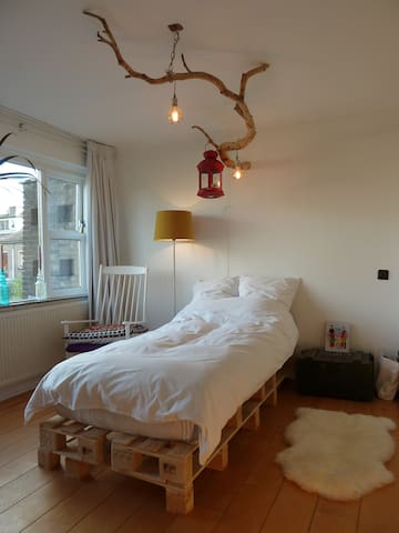 Private room, close to the woods and Utrecht - De Bilt - Casa