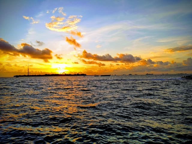 Sunset in Male'