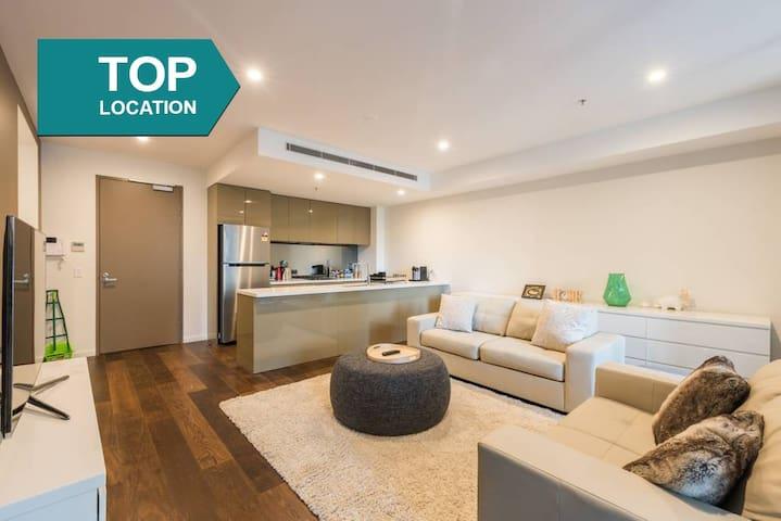 悉尼CBD 2房豪华公寓,50米地铁站,100米市政厅,中央空调,提供早餐可烹饪