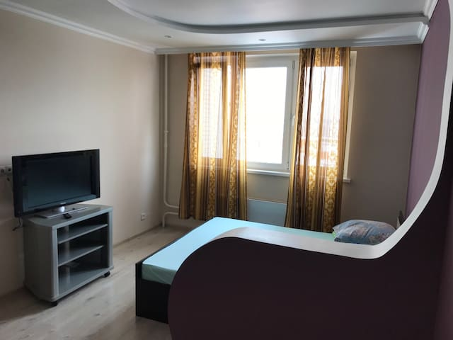 3 Bedroom Apartment on Borisovka 28