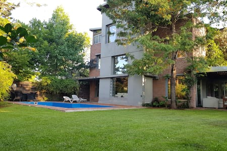 Casa barrio privado Tigre 6/9 pax 4 dorm 3 baños