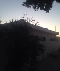 Beau studio a  l'île de DJERBA - El May - บ้าน
