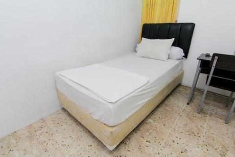 Single Room at Lestari Guesthouse