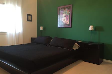 B&B Private Room in a beautiful Home / NOLA Room - Casa