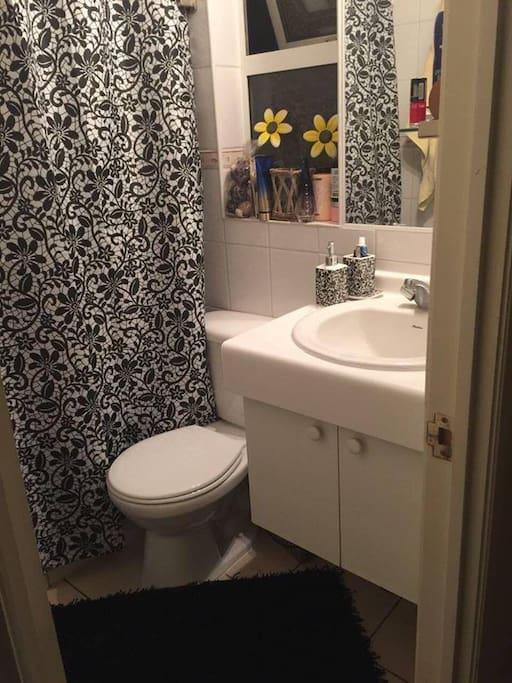 baño completo  privado