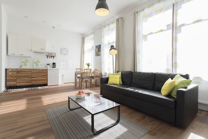 NEW Studio Apartment for 4, Neukölln, WiFi, 45qm